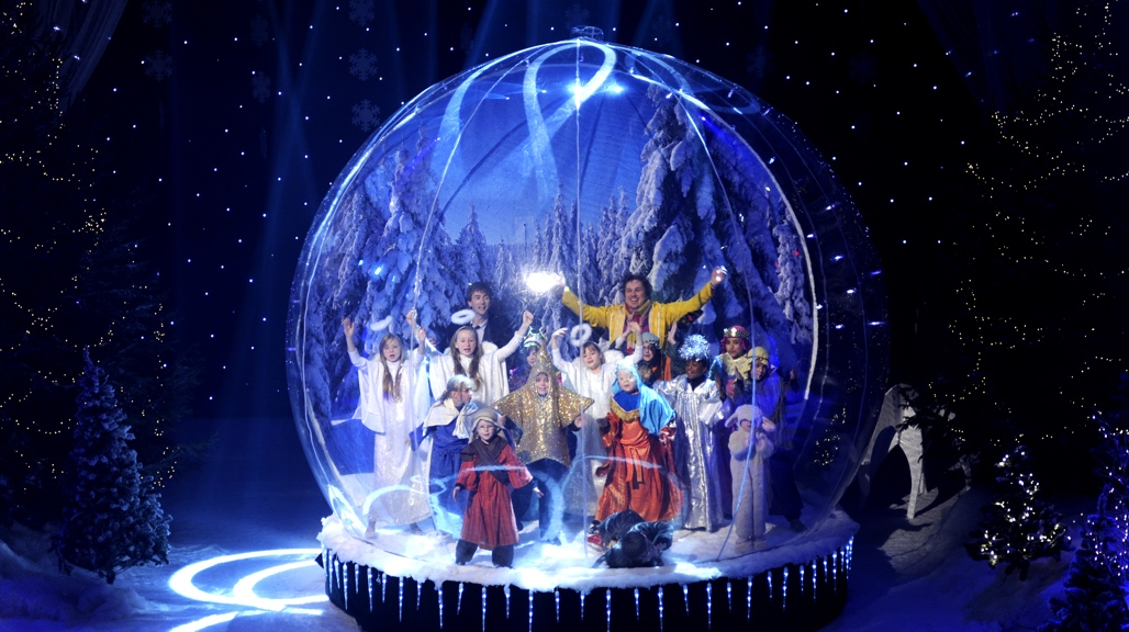 Nativity 2 David Tennant Snow Globe